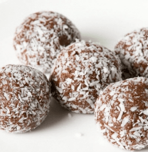Low Carb Chocolate Protein Balls – Recipe.